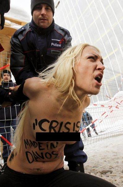 Davos'ta polisin zor saatleri 1