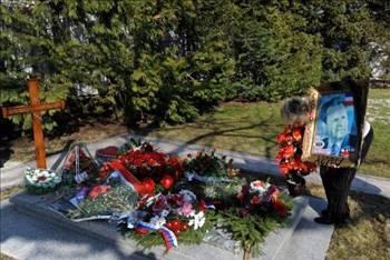 Devrik Liderlerin mezarları 7