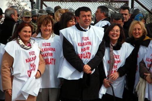 CHP'li Kadın Vekiller Kürecik'te 10
