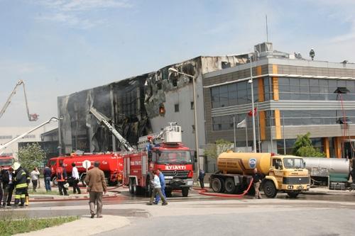 Gebze'de fabrika yangını 2