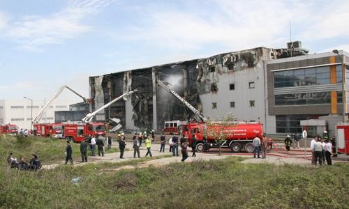 Gebze'de fabrika yangını 3