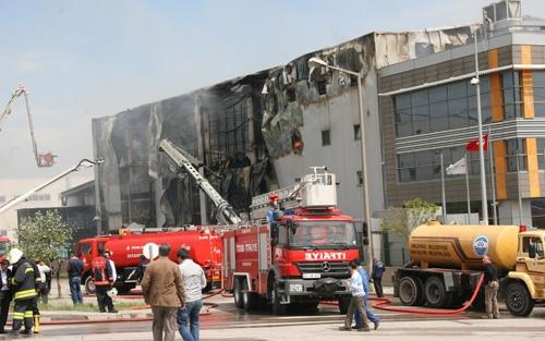 Gebze'de fabrika yangını 4