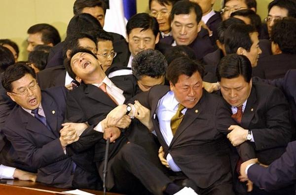 Unutulmaz Meclis Kavgaları 5