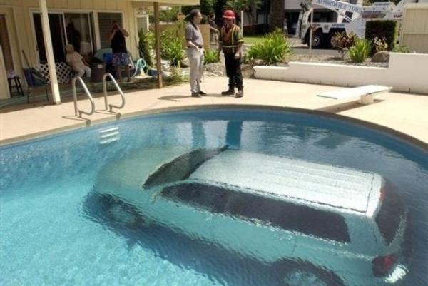 İlginç Araba Kazaları 11