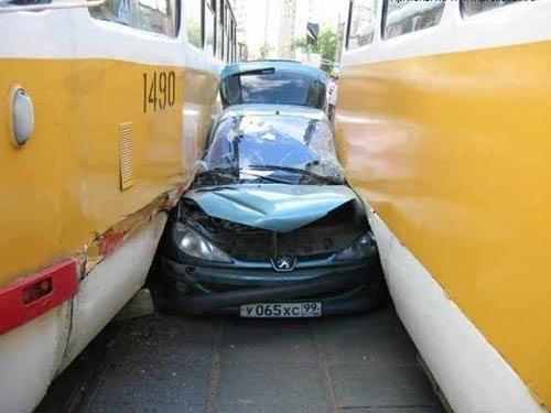 İlginç Araba Kazaları 7