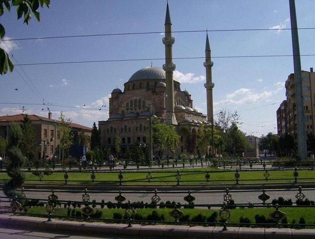 Hangi Şehirde Kaç Camii Var? 48