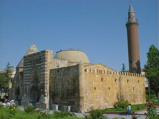 Hangi Şehirde Kaç Camii Var? 71