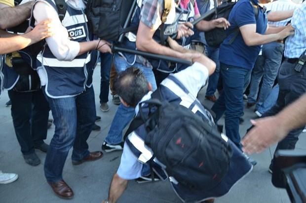 HDP'li grup ile polis arasında arbede 5