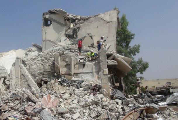 Esed rejimine ait savaş uçağı çarşıya düştü 2