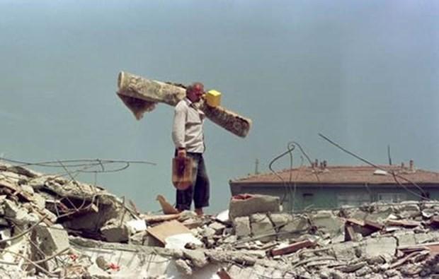 17 Ağustos Depremi'nin 16.yılı 11