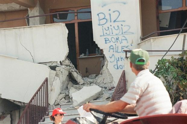 17 Ağustos Depremi'nin 16.yılı 13