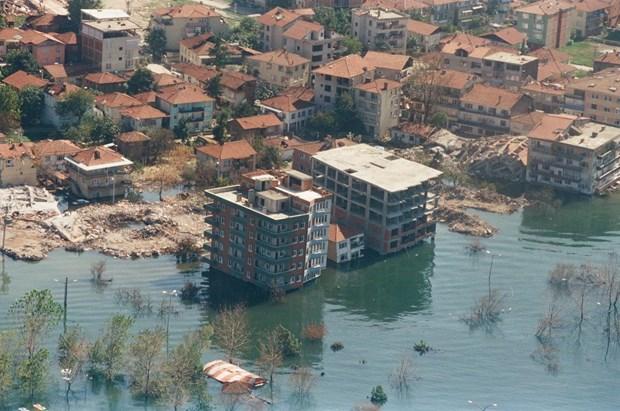 17 Ağustos Depremi'nin 16.yılı 27