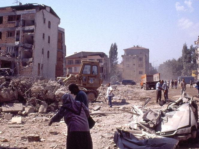 17 Ağustos Depremi'nin 16.yılı 50