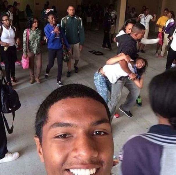 Kötü Zamanda Çekilmiş Selfieler 46