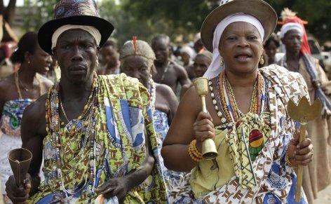 --AFRİKA'NIN VOODOO BÜYÜCÜLERİNİN KORKUNÇ YÖNTEMLERİ 13