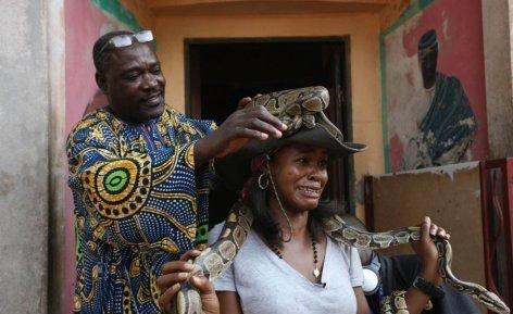 --AFRİKA'NIN VOODOO BÜYÜCÜLERİNİN KORKUNÇ YÖNTEMLERİ 14