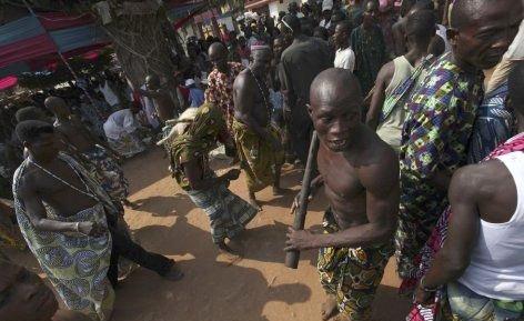 --AFRİKA'NIN VOODOO BÜYÜCÜLERİNİN KORKUNÇ YÖNTEMLERİ 15