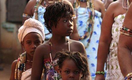 --AFRİKA'NIN VOODOO BÜYÜCÜLERİNİN KORKUNÇ YÖNTEMLERİ 5