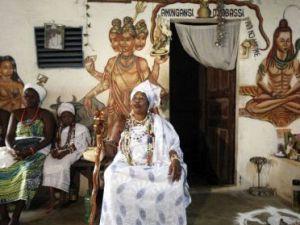 --AFRİKA'NIN VOODOO BÜYÜCÜLERİNİN KORKUNÇ YÖNTEMLERİ