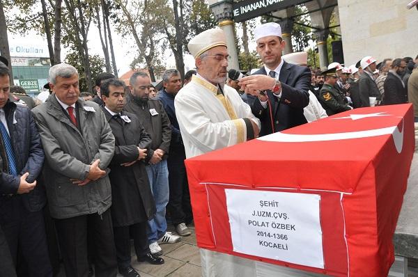 Binlerce Gebzeli, şehit Uzman Çavuş Polat Ali Özbek'i son yolculuğuna uğ 4