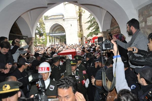 Binlerce Gebzeli, şehit Uzman Çavuş Polat Ali Özbek'i son yolculuğuna uğ 7