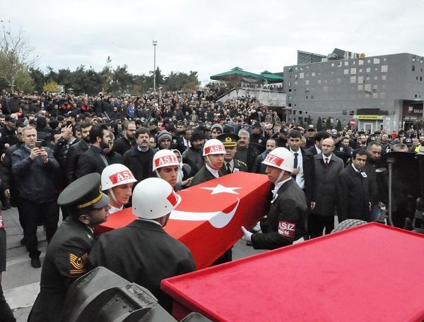 Binlerce Gebzeli, şehit Uzman Çavuş Polat Ali Özbek'i son yolculuğuna uğ 9