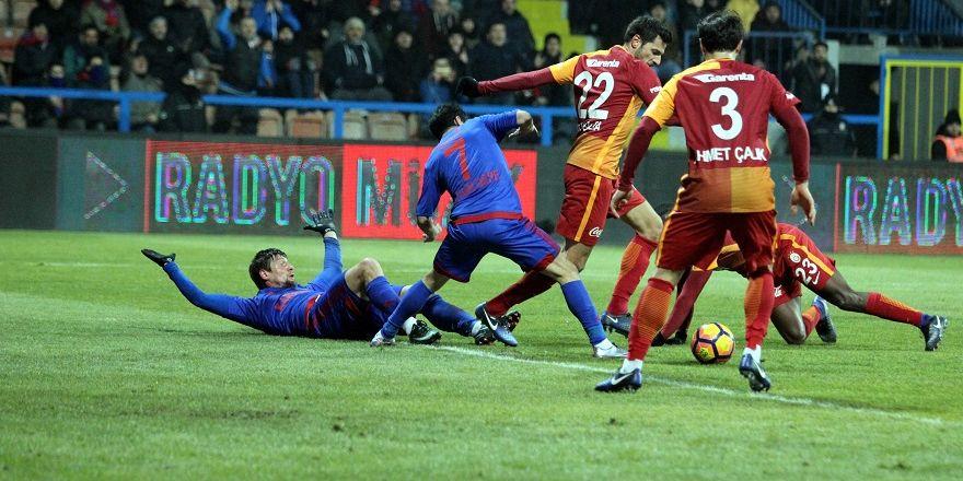 Kardemir Karabükspor-Galatasaray Maçından Kareler