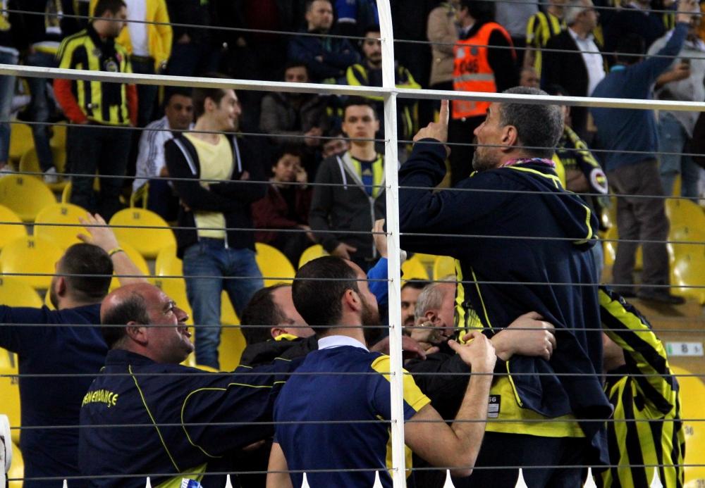 Fenerbahçe  taraftarları birbirlerine girdi ! 11