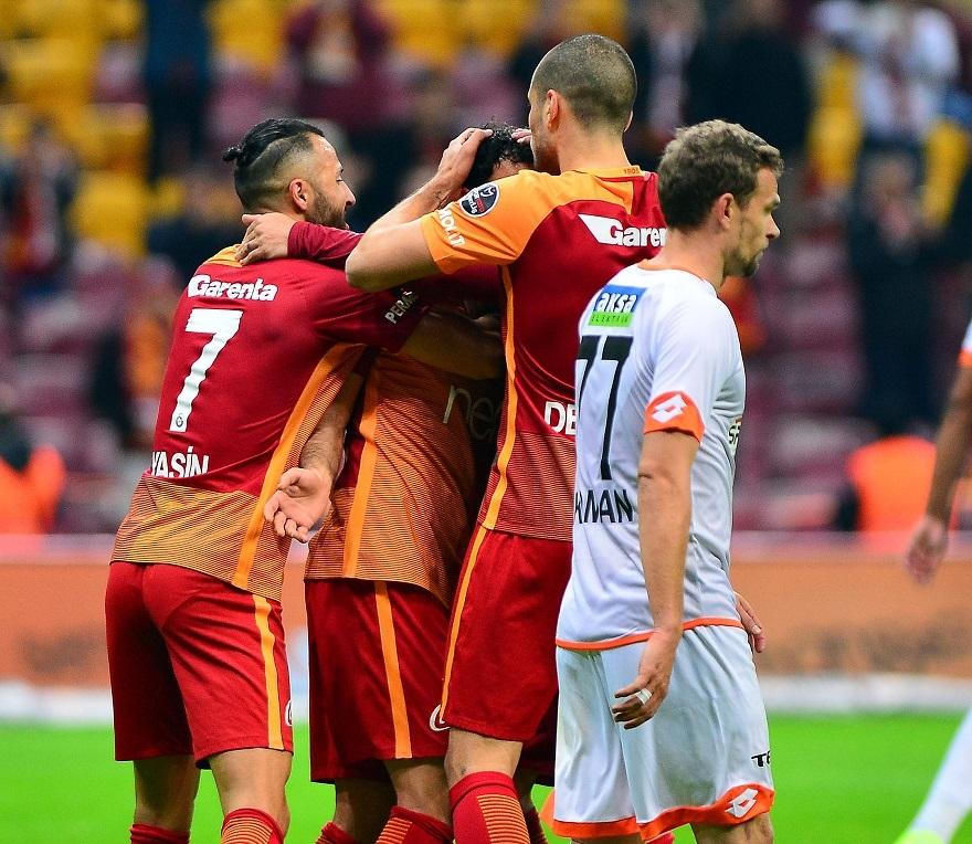 Galatasaray-Adanaspor Maçtan Kareler 1