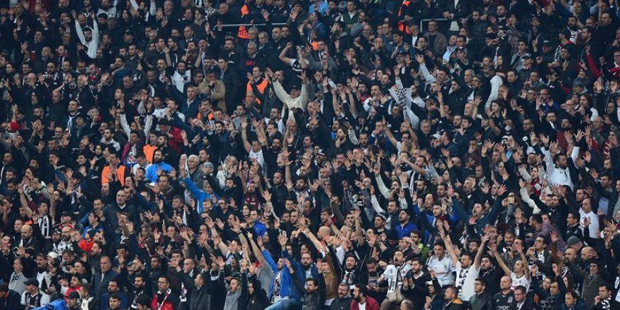 Beşiktaş-Lyon Rövanş Maçından Kareler