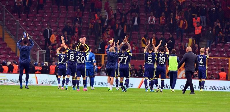 Fenerbahçe-Galatasaray Maçtan Kareler 77
