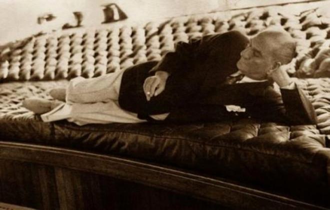 Atatürk'ün  en özel kareleri.. 1