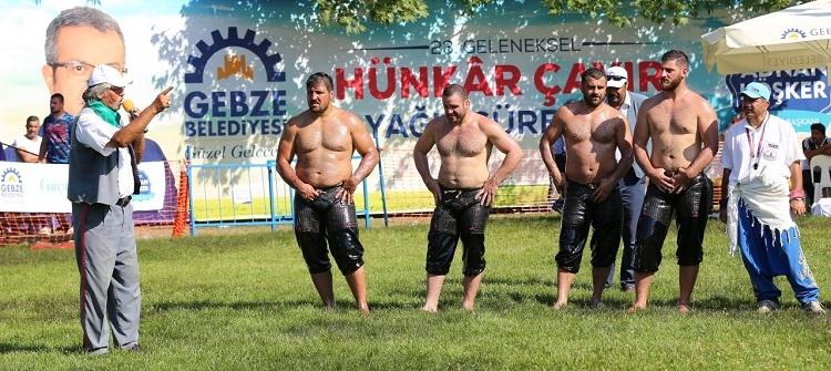 Hünkar Çayırı'nda başpehlivan Recep Kara 20
