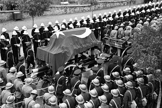 Atatürk'ün cenazesinden kareler 2