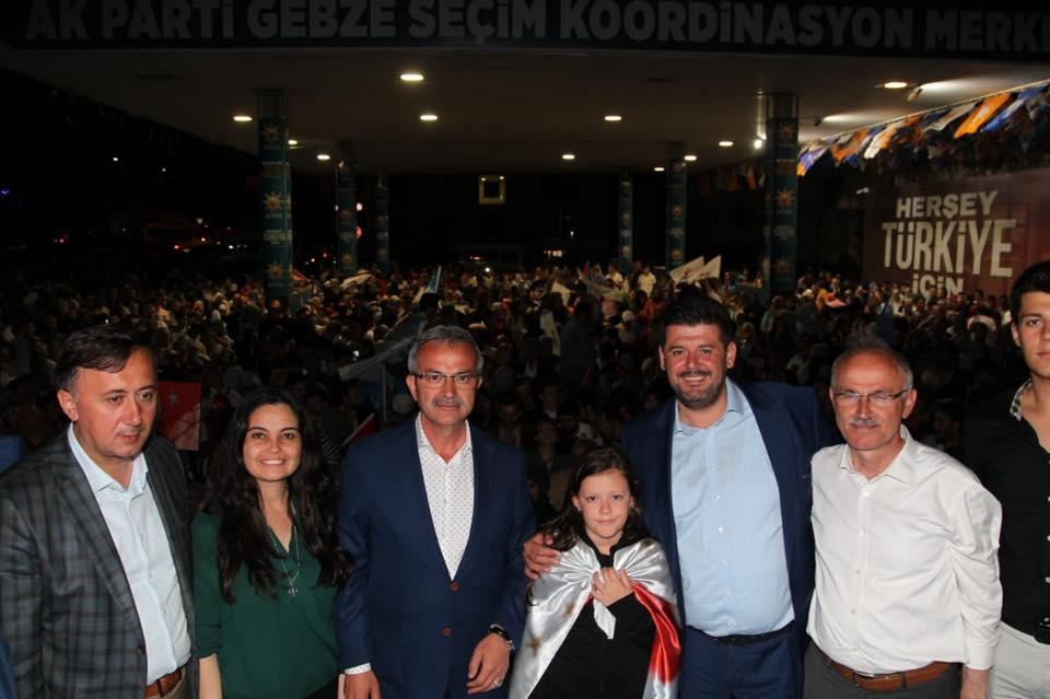 Gebze'de Ak Partililer Zaferi Coşkuyla Kutladılar 1
