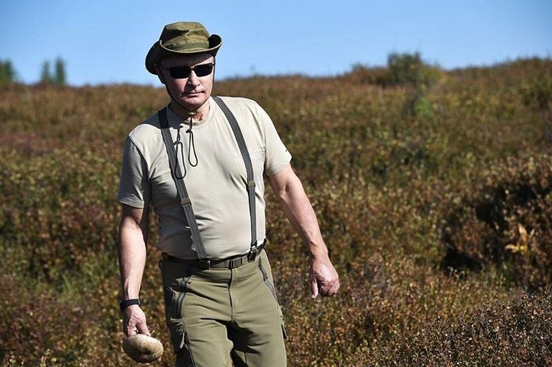 Putin dağlarda dolaşırken görüntülendi 1