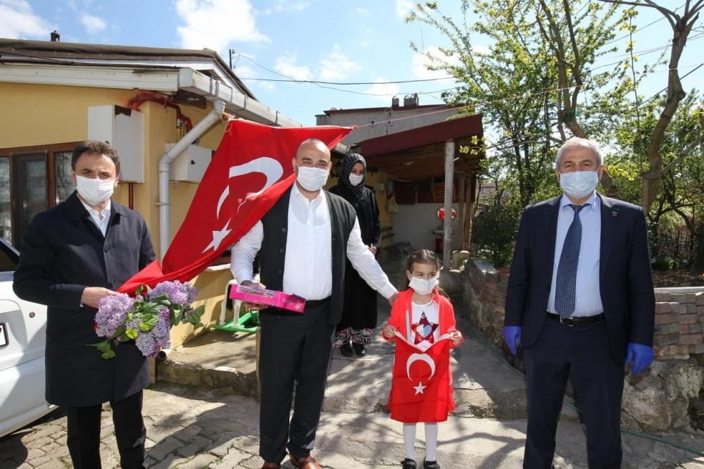 Başkan Büyükgöz'den  Çocuklara 23 Nisan Hediyeleri 1