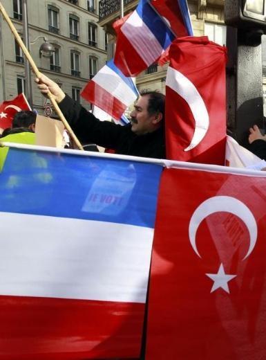 Fransa'da Ermeni Sokırımı protestosu galerisi resim 1