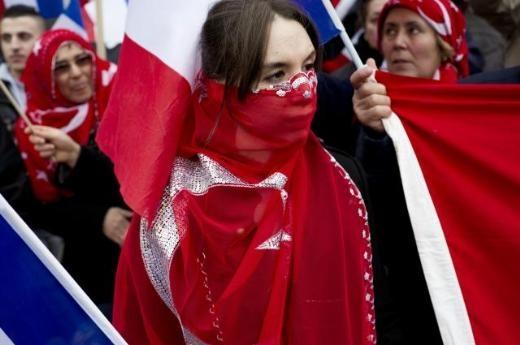 Fransa'da Ermeni Sokırımı protestosu 11