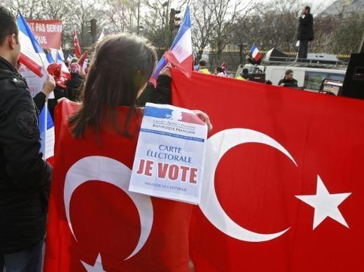 Fransa'da Ermeni Sokırımı protestosu 2
