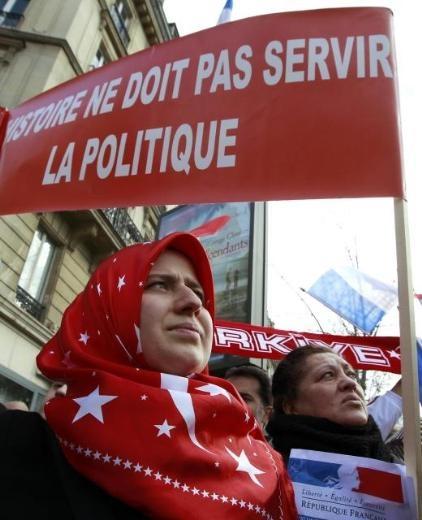 Fransa'da Ermeni Sokırımı protestosu 3