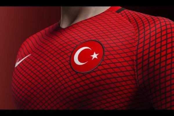 MİLLİ TAKIM'DAN KÖTÜ HABER ! YILDIZ OYUNCU KADRO'DAN ÇIKARILDI ..