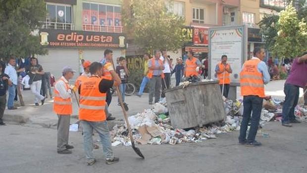 Şehirde Gergin Anlar ! Çöpler polis eşliğinde toplanıyor