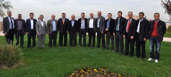 AK Partililer Darıca'da fidan dikti!
