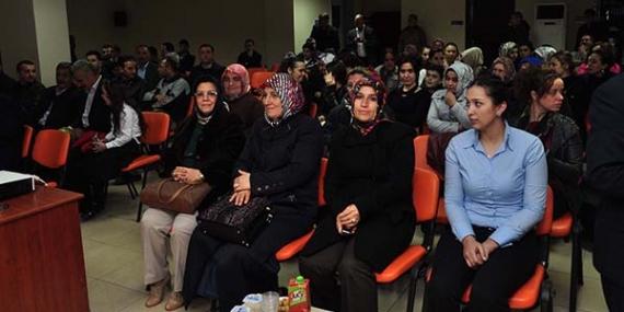 AK Partililer Çanakkale şehitlerini unutmadı