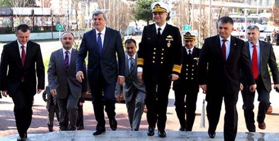 Donanma Komutanı'ndan Başkan'a ziyaret
