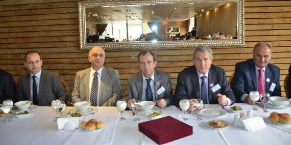 Kosova heyeti KSO'ya ziyaret