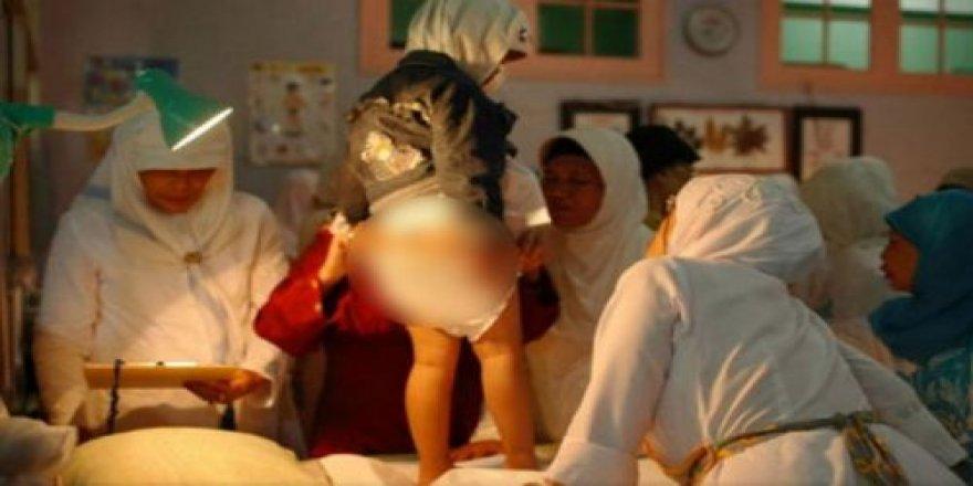 Almanya'da Bakanlıktan sünnetli kadın açıklaması !