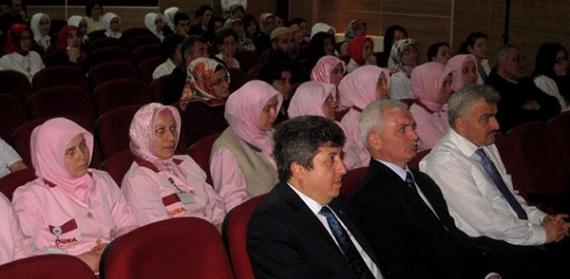 Farabi'de çocuk yetiştirme semineri