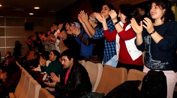 Engelli öğrenci ayakta alkışlandı